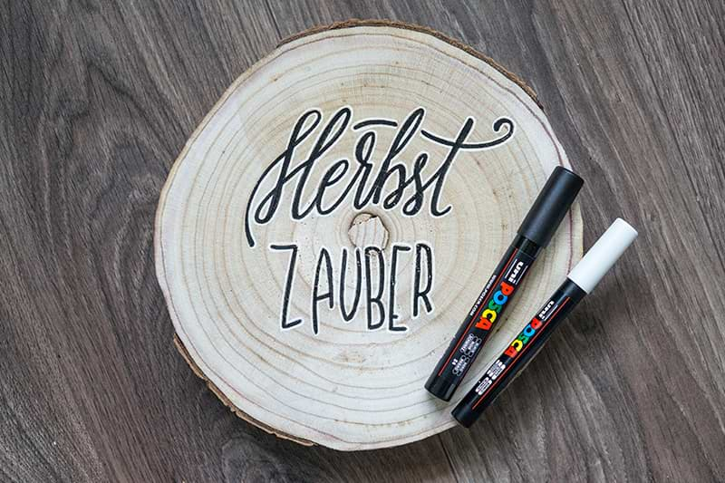 Holzscheibe mit Lettering