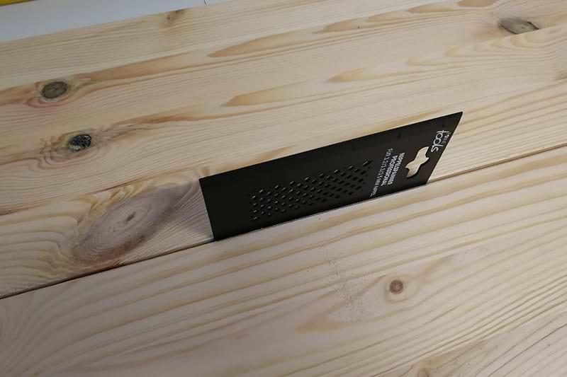 Holzschild Abstand