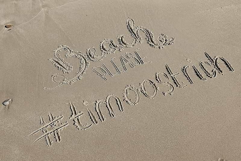Strand beschriftet