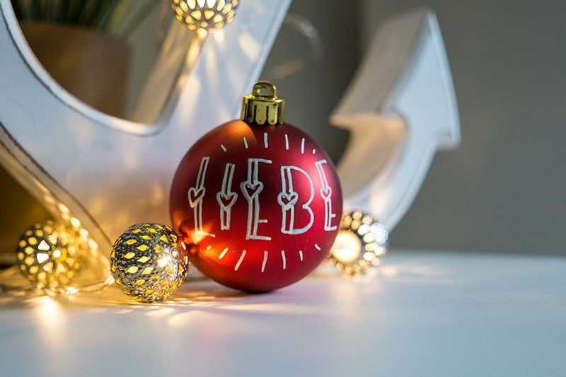 Weihnachtskugel als Raum-Deko