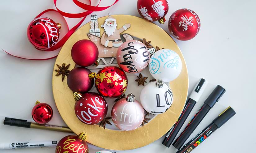 Weihnachtskugeln beschriften