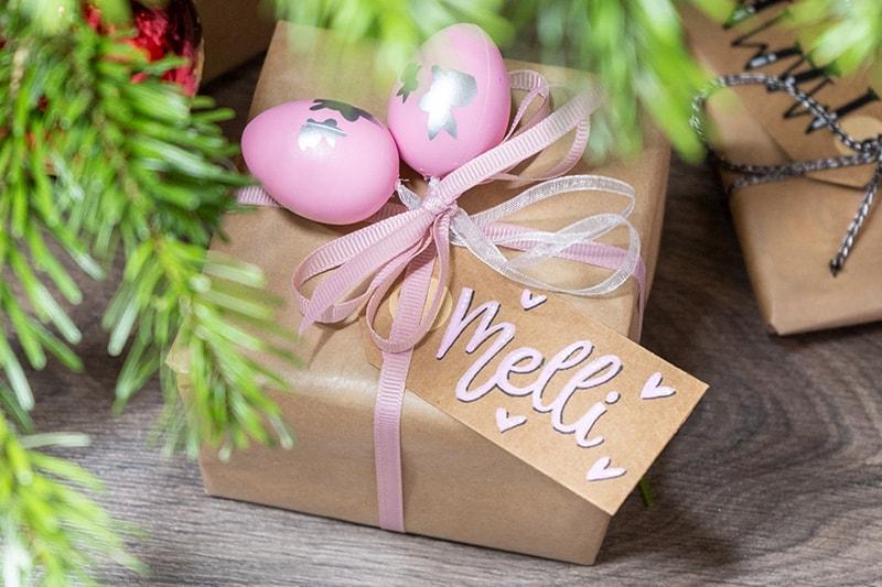 Geschenk mit Ostereiern