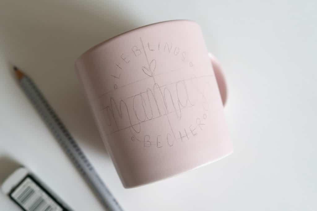 Tasse mit Vorzeichnung