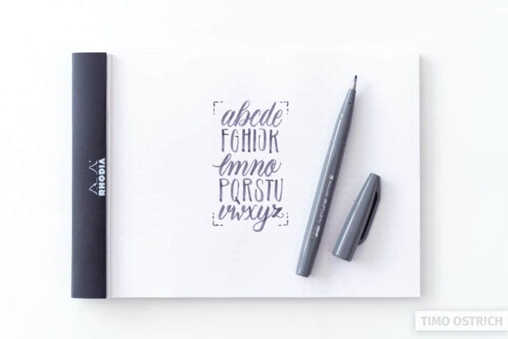 Alphabet mit dem Brush Sign Pen