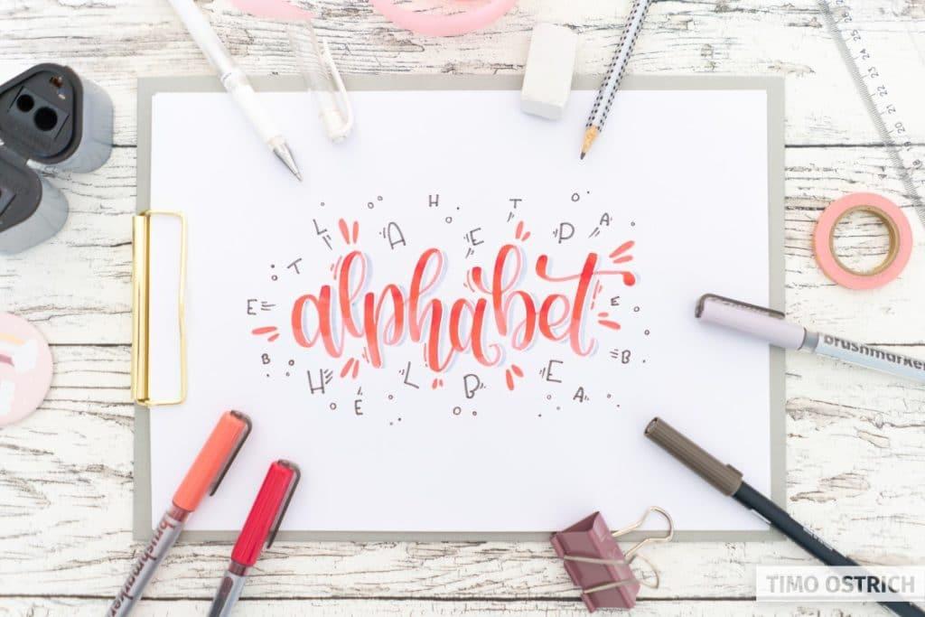 Bounce Lettering mit Dekoration